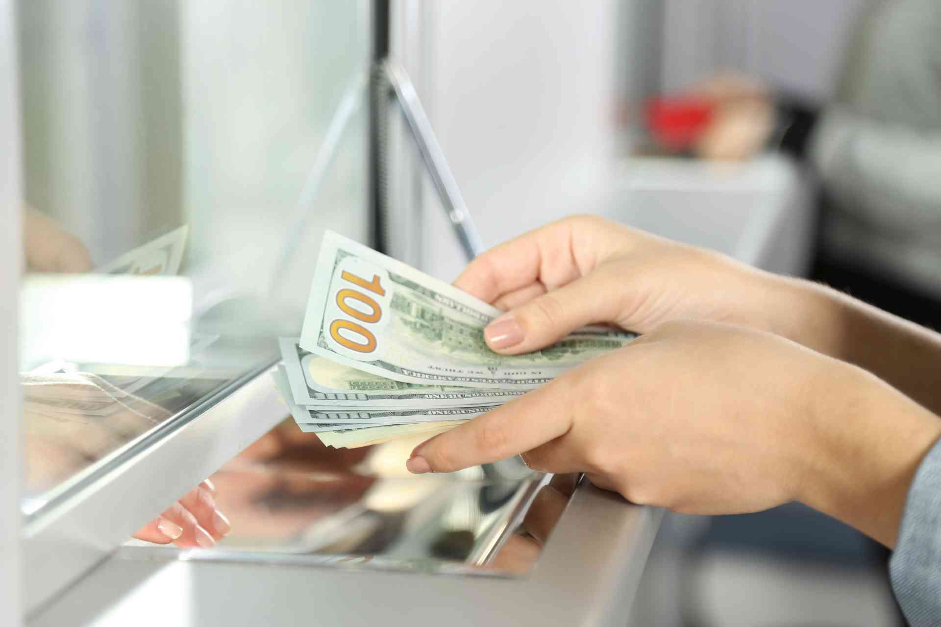 получен заем наличными деньгами в кассу